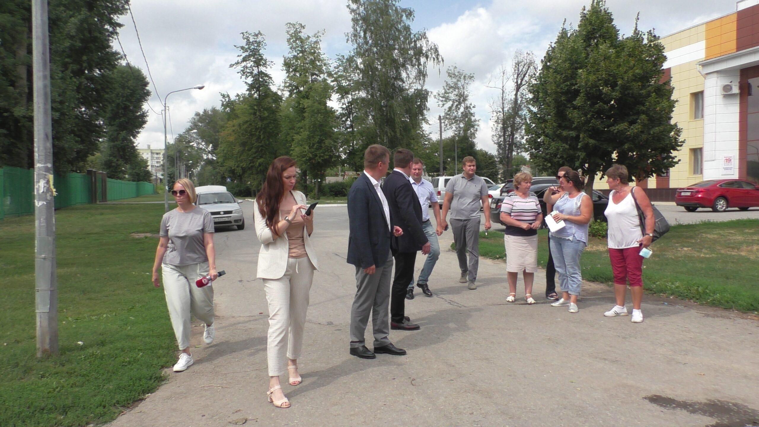 Жители Сырского Рудника ждут решения ряда проблем.Афанасьев и Аверов посетили округ Андрея Иголкина